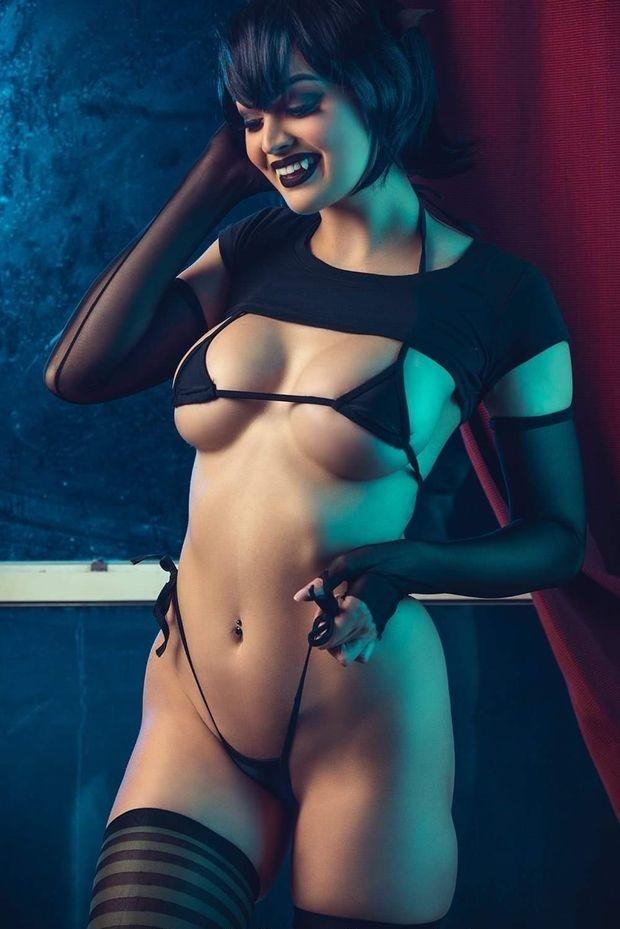 Danielle Denicola Nude