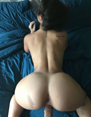Pic - tiny chinese slut nailed from behind
