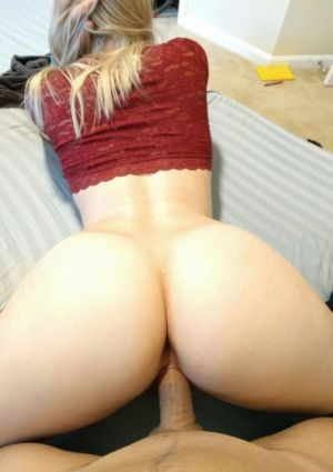 Pic - molten blond phat ass milky girl takes it from behind