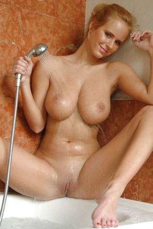 Pic - Zuzana loves a bathroom