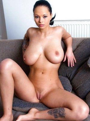 Pic - huge tits slightly furry hottie