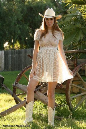 Pic - Jess for nextdoor models