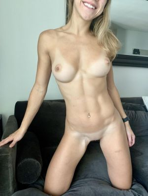 Pic - Cuntnugget- displaying off her firm earned figure