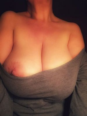 Pic - powerful innate tits, pinkish nip
