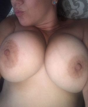 Pic - thick boobs