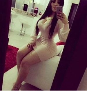 Pic - curvaceous amature silly of love in a handsome tiny taut sundress - ideal figure for you