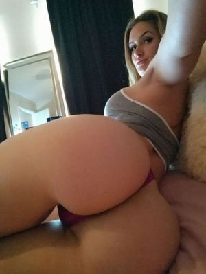 Pic - Morgan reese molten butt in g-string