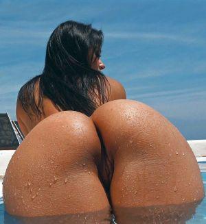 Pic - Melissa mendinys molten butt