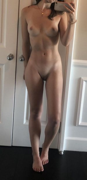 Pic - ideal selfshot inexperienced figure