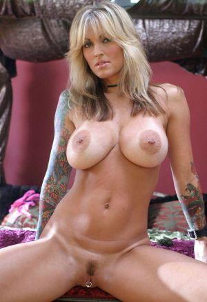 Pic - huge boobs