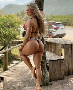 Pic - Brazilian viviane winkler